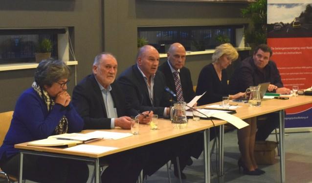 Het voltallige bestuur van de VRB tijdens de recente ledenvergadering.