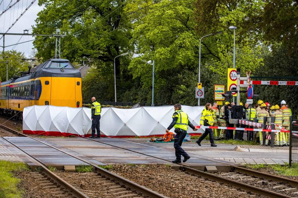 De plaats van het ongeval is afgezet. Foto: Bussums Nieuws © rij-instructie.nl