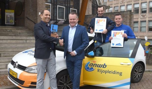 Op de foto van links naar rechts Enayat Poya, Sander Borsten, Hans Peter en David Meeldijk.