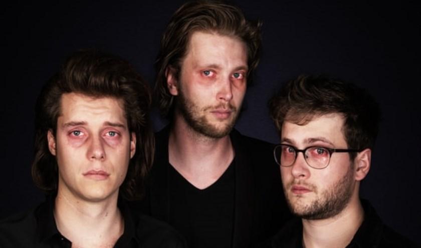 Na de finalistentour van het Leids Cabaretfestival weten de Bestse mannen van Jeroens Clan de weg naar 't Tejaterke weer te vinden in het nieuwe theaterseizoen.