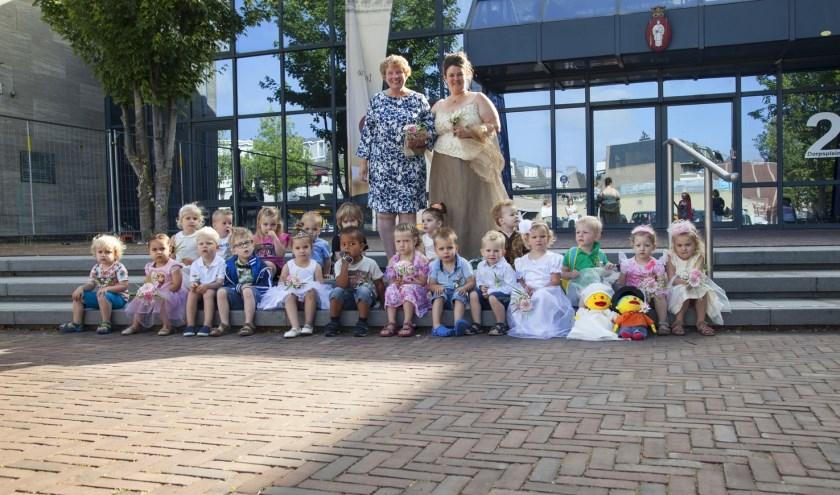 Bij kindcentrum de Klimboom bij peuterwerk Bert zijn de peuters de laatste weken aan de slag gegaan met het thema trouwen.