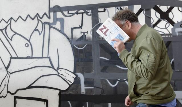 Ted Noten laat tijdens de Kunstnacht ook een bijzonder staaltje van zijn kunnen zienFoto: Ben Nienhuis