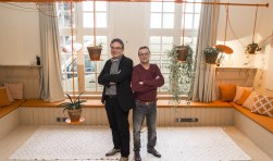 Ton Stassen en Erik Mennes in de sfeervolle Hangop. Foto: Niek Geneuglijk