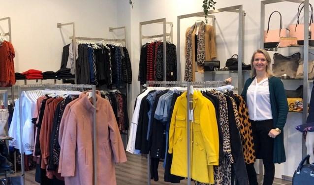 """Saskia de Jong, eigenaresse van Sazoo in Rosmalen: """"We hebben hele mooie merken in verschillende prijsklassen."""""""