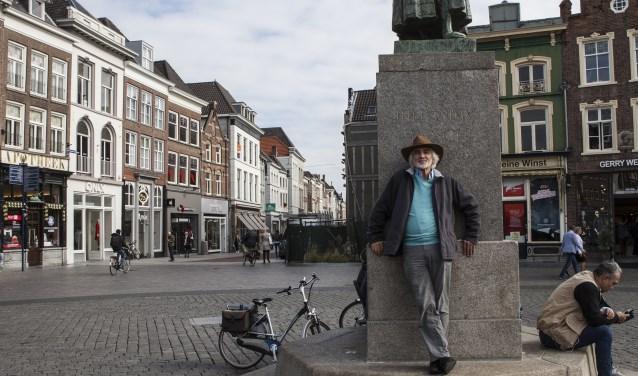 André van den Bogaert op de Bossche Markt. Foto: Michel van de Langenberg