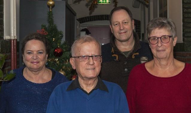 Het nieuwe bestuur van het Steunpunt Zelfhulp 's-Hertogenbosch en Regio met achteraan Jack Spruyt