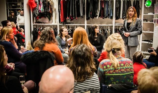 De intieme sfeer is kenmerkend voor de Atelier Sessions. Foto: Wendy Steenmans