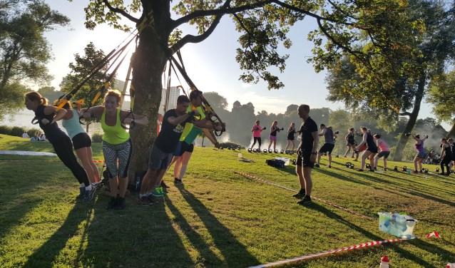 Sportief onder begeleiding bezig zijn in de buitenlucht kan vanaf 3 mei voor 50-plussers in het Bossche Westerpark in Paleiskwartier