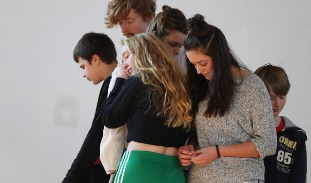 De jongeren van KLEIN VERZET hebben de afgelopen tijd druk gerepeteerd. Foto: MOON Fotografie & Film