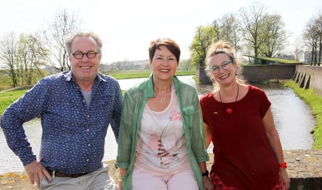 Leny Cobben tussen haar opvolgers Colien Willems en Joep Dingemans (links) Foto: Gérard van Kessel