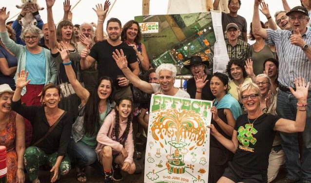 De vele vrijwilligers die het eFFect Festival mede mogelijk maken, hebben er zin in! Foto: Michel van de Langenberg