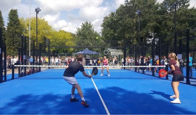 Opening van de padelbanen bij tennisvereniging Bergenshuizen in Vught. Foto: Marc Smits