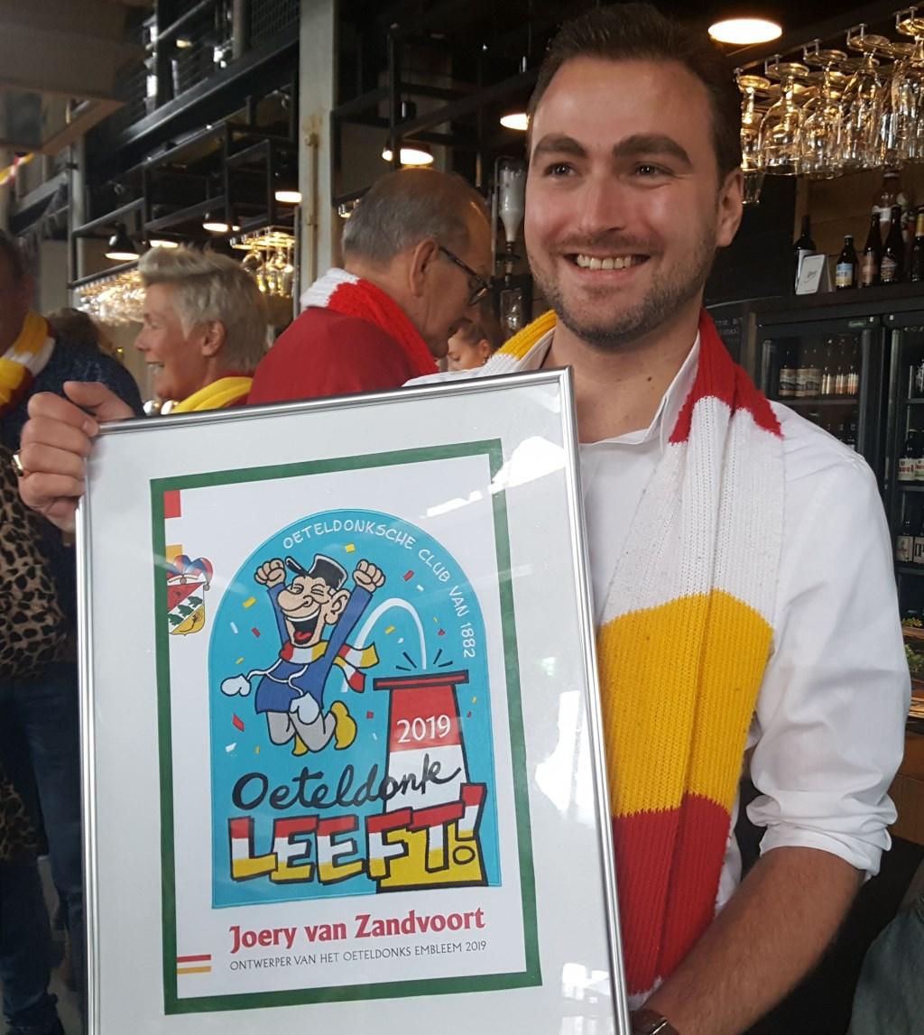Joery van Zandvoort met zijn winnende ontwerp  Foto: Marc Smits
