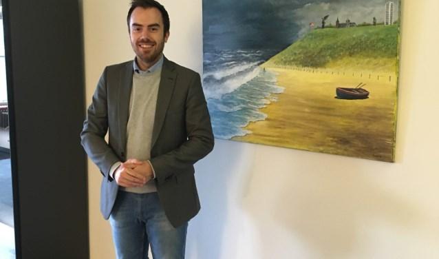 Het schilderij van 's-Hertogenbosch aan zee heeft inmiddels een plek gekregen in de werkkamer van wethouder Mike van der Geld