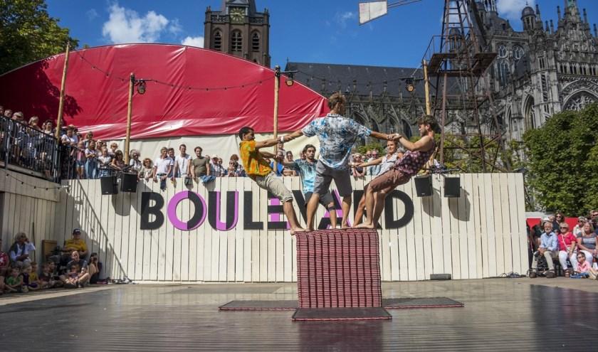 Uiteraard is er ook weer volop straattheater tijdens Theaterfestival Boulevard, hier een impressie van vorig jaar. Foto: Karin Jonkers (Yell & Yonkers)