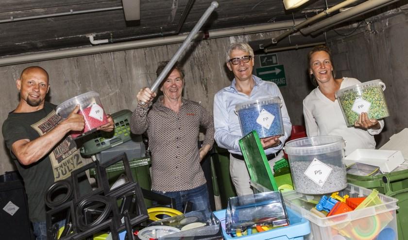 V.l.n.r. Patrick (medewerker stichting Loods), Kees, Maarten en Suzanne. Foto: Michel van de Langenberg