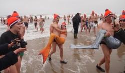 Paal 20, duikers trokken weer de mooiste kostuums aan.