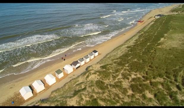 Goed is te zien waarom de strandhuisjes bij paal 9 lastig geplaatst konden worden. Foto: Ton Zegers.
