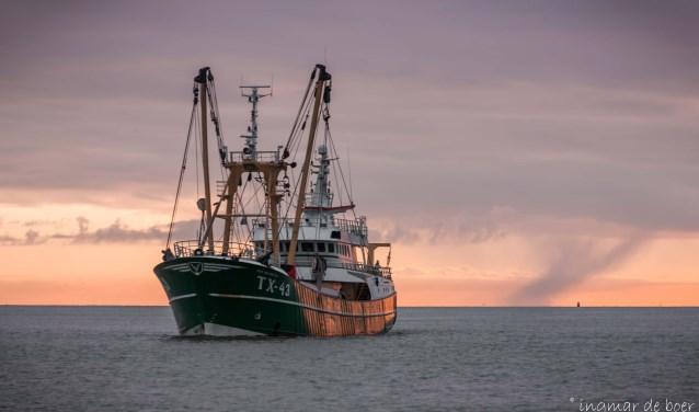 Kotter op zee, foto: Ingmar de Boer