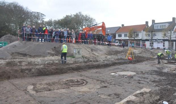 Belangstelling voor opgravingen.