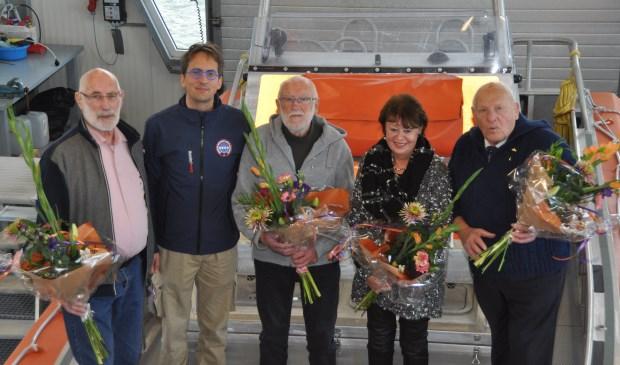 Vlnr Simon Dros, burgemeester Michiel Uitdehaag, Floris Parlevliet, Margreet de Graaff en Jan Geus.
