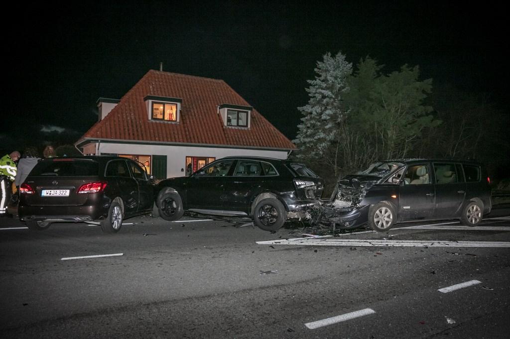 Beeld van de ravage na het ongeval.