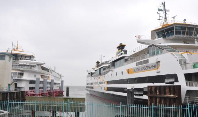 De Texelstroom en de Wagemaker in de veerhaven op 't Horntje.