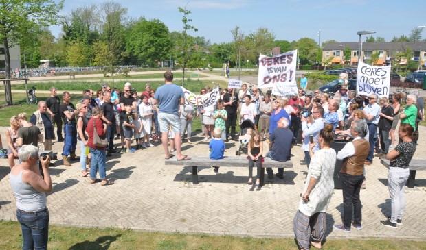 Protest tegen de afsluiting van Ceres bij het gemeentehuis.