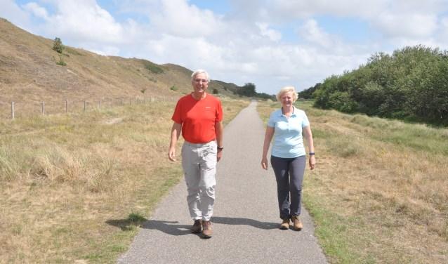 Hans Kuhry en Monique Veerkamp in training voor de Vierdaagse.