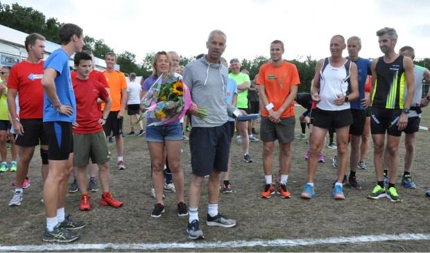 Crossloper Henk Kikkert wordt in de bloemetjes gezet.