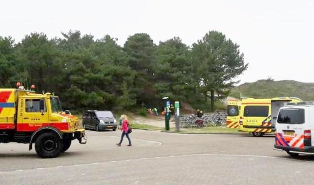 Whippertruck, politie en ambulance zijn ter plaatse op het parkeerterrein van Paal 21.