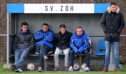 Ruud Wassenaar (linker man in de blauwe jas), Nico Kremer (rechts). De anderen zijn de geblesseerde spelers Daniël Bakker, Willem Rommets en Tom Bijl.