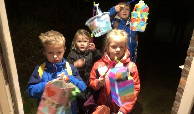 Dit groepje kinderen vierde Sint Maarten in Oosterend.