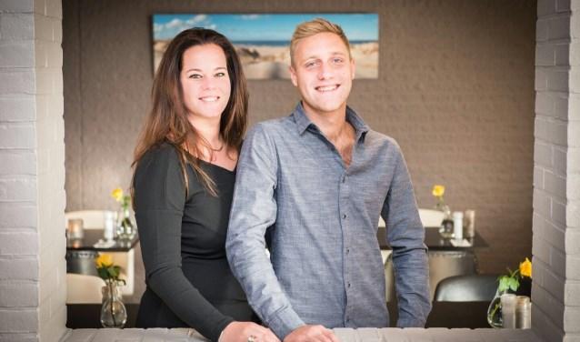 Roelina Gjaltema en Mark Schoo in restaurant 'Passie'.