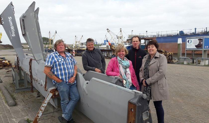 Staten Heleen Keur en Willemien Koning met Adrie Vonk en CDA-commissieleden Ewald Witte en Niels Rutten.