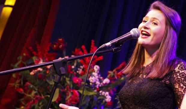 Esmée tijdens een optreden in De Toegift @Klif12