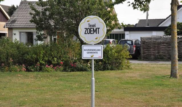 op Texel werden 130 soorten bijen aangetroffen.