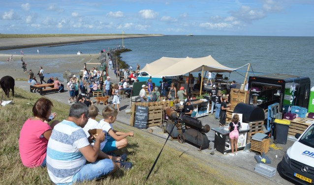 Relaxen op het Beach Food Festival in 2017.