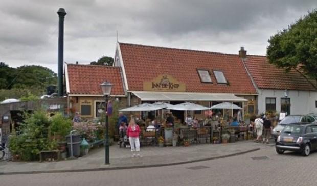 Inn de Knip aan De Naal in Den Hoorn.