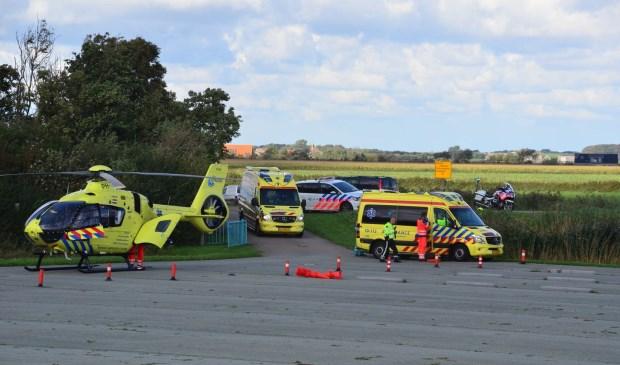 De traumahelikopter en de ambulances op 't Horntje.