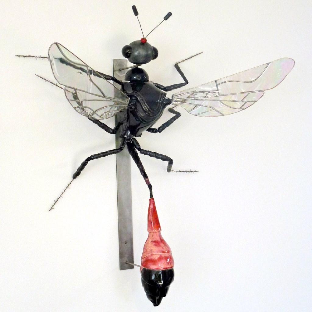 Annelies van Nieuwmegen: Rupsendoder (gemengde techniek) in Galerie Posthuys  © Mediabureau Langeveld & De Rooy