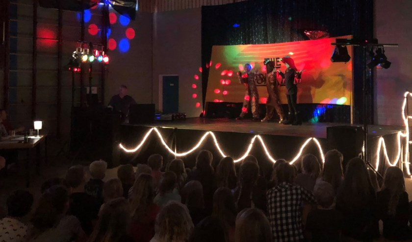Daisy, Yentel en Shelsy met een nummer uit The Lion King.