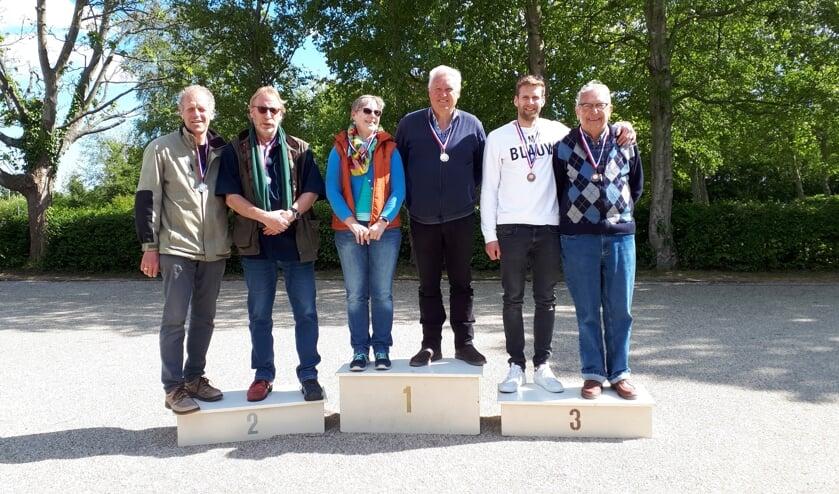 winnaars v.l.n.r. Louis van der Vis, Peter Dros, Nicolette Dapper, Rob Dapper, Chris Ellen, Piet Arensman.
