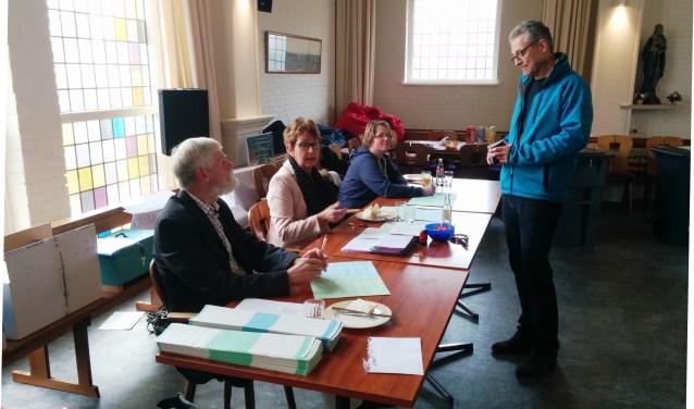 Stemmen in dorpshuis De Hof in De Koog.