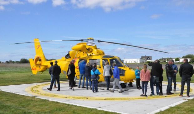 Veel belangstelling zaterdag voor de gele helikopter van de Coast Guard.
