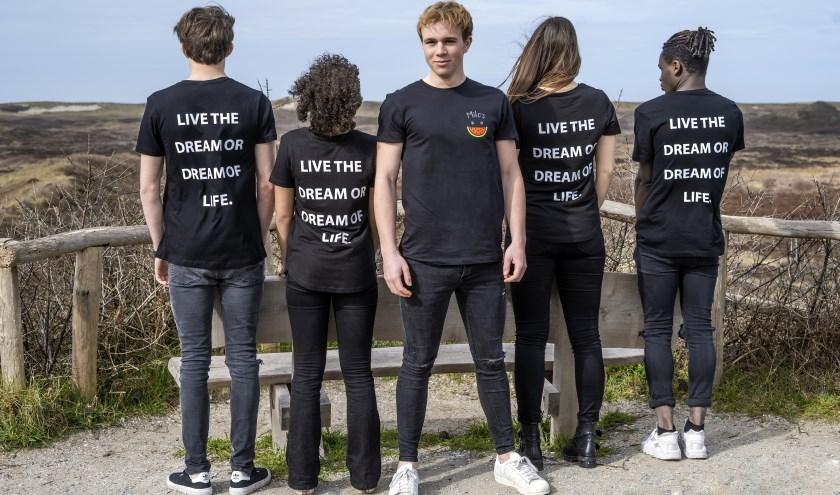 Milo van Hardeveld start een eigen kledingmerk en organiseert muziek event Texel Urban.