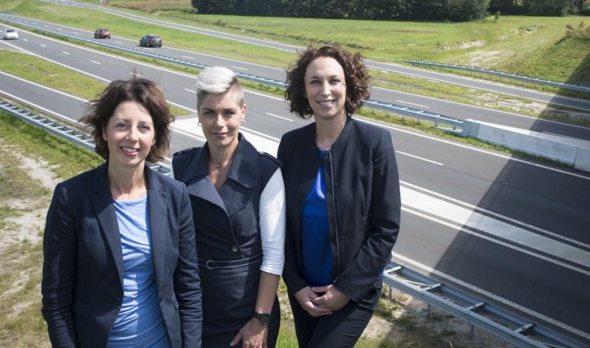Financieel adviseurs Marrit Bos, Marjan Blokzijl en Clara Folkertsma (v.l.n.r.) zijn voor klanten die een echtscheidingsprocedure starten het eerste aanspreekpunt bij de bank.