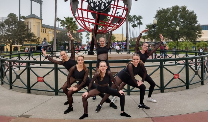 Het demoteam Lacrimosa, vierde op het National Dance Team Championschip.