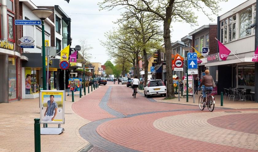De straat als rode loper voor het mkb, in dit geval De Kolk in Surhuisterveen.