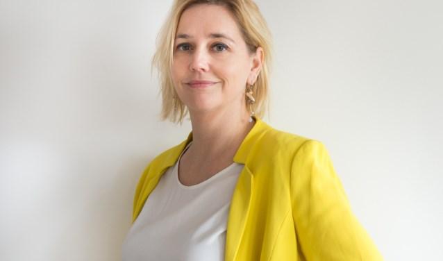 Stine Jensen, filosoof, schrijver en programmamaakster vertelt in de Blokhuispoort over de waarde van falen.